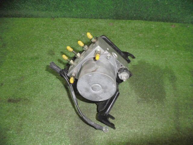 Блок abs на Nissan Tiida NC11 HR15DE