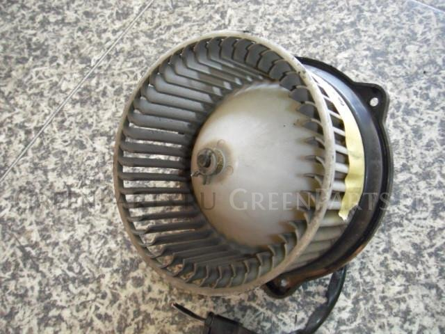 Мотор печки на Toyota Sprinter AE100 5A-FE