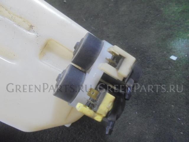 Бачок омывателя на Honda Stream RN1 D17A