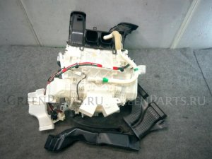 Печка на Toyota Voxy ZRR85G 3ZR-FAE