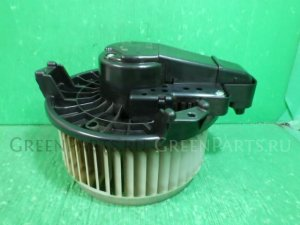 Мотор печки на Toyota Voxy ZRR70G 3ZR-FE