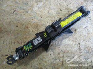 Домкрат на Toyota Will VI NCP19 2NZ-FE