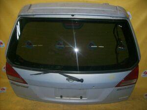 Дверь задняя на Nissan Wingroad Y11 132-24764