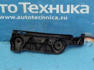 Крепление бампера на Toyota Corolla Spacio NZE121N 1NZ 52562-13050