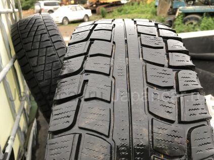 Всесезонные шины Dunlop 215/70 15 дюймов б/у во Владивостоке