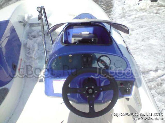 лодка пластиковая SUZUKI 2002 года