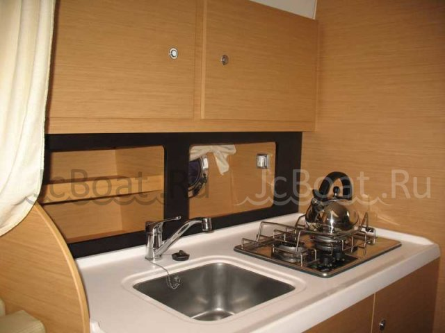 яхта моторная MONTE CARLO 32 BENETEAU 2008 г.