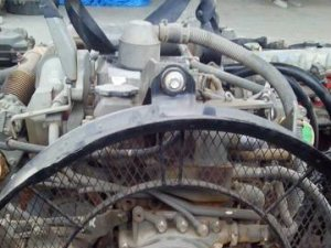 Двигатель на HITACHI ZX