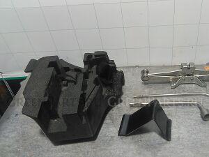 Домкрат на Nissan Fairlady Z Z33 VQ35DE