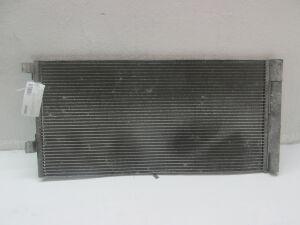 Радиатор кондиционера на Renault Laguna