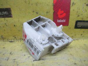 Крепление бампера на Toyota Ractis NCP100