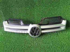 Решетка радиатора на Volkswagen Golf WVWZZZ1KZ5W052857 BLR