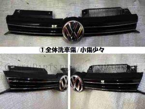 Решетка радиатора на Volkswagen Golf WVWZZZ1KZCW240768 CAX